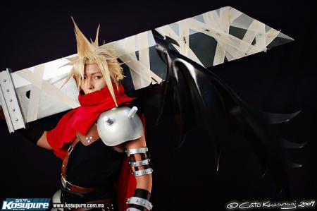 Cloud from Kingdom Hearts worn by B-Shira
