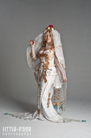 Ashe / Ashelia B nargin Dalmasca from Final Fantasy XII worn by seraphik