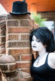 Death from Sandman worn by Chiara Scuro