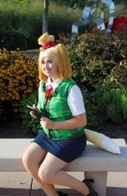 Isabelle from Animal Crossing worn by Yucari