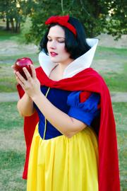 Snow White from Snow White and the Seven Dwarfs worn by anime_wench