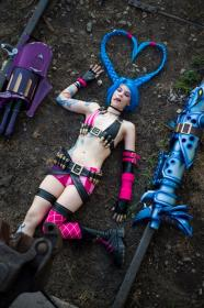 Jinx from League of Legends worn by jinglebooboo
