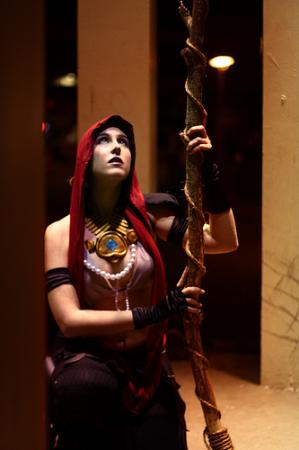 Morrigan from Dragon Age: Origins worn by Miss Nintendo