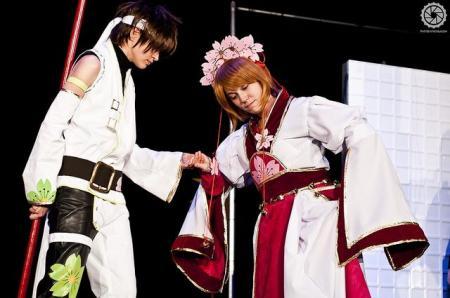 Sakura from Tsubasa: Reservoir Chronicle worn by Luraia