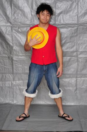 Monkey D. Luffy from One Piece worn by IzunaDrop247
