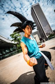 Goku from Dragonball Z worn by IzunaDrop247