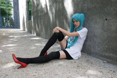 Hatsune Miku from Vocaloid 2 worn by Rexluna