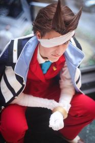 Apollo Justice from Phoenix Wright: Ace Attorney - Dual Destinies worn by RedKat