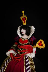 Red Queen of Hearts from Alice: Madness Returns  by Neferet Ichigo