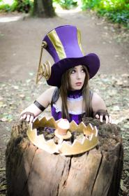 Caitlyn from League of Legends  by Neferet Ichigo