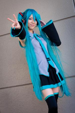 Hatsune Miku from Vocaloid 2 worn by juliaisaninja