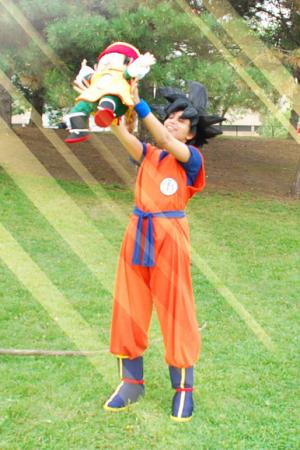 Goku from Dragonball Z worn by QuantumDestiny