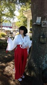 Kikyo from Inuyasha worn by Rynil