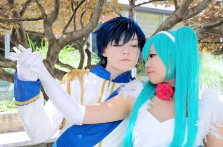 Kaito from Vocaloid (Worn by Temi)