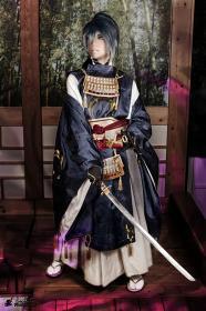 Mikazuki Munechika from Touken Ranbu worn by Shikarius