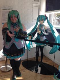 Hatsune Miku from Vocaloid 2 worn by Onion