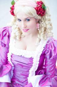 Marie Antoinette from Rose of Versailles by TatyCosplay