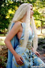 Daenerys Stormborn of House Targeryen from Game of Thrones worn by Koneko YourAverageNerd