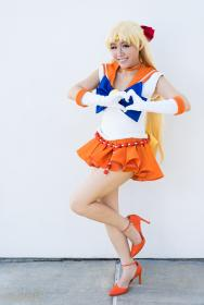Sailor Venus from Sailor Moon Crystal worn by Yuqi