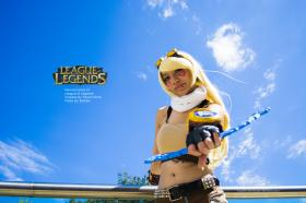 Ezreal from League of Legends worn by Rizumi-hime