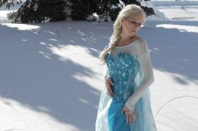 Elsa from Frozen worn by Melima