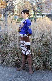 Levi worn by Moe