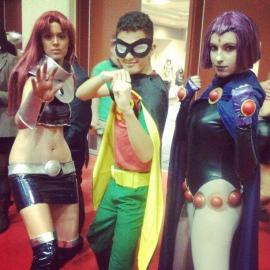 Starfire from Teen Titans worn by Kaidan Cosplays
