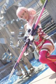 Serah Farron from Final Fantasy XIII-2 worn by Cake-Monster Cosplay