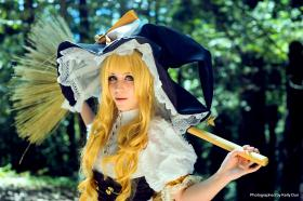 Marisa Kirisame from Touhou Project  by CloverClub