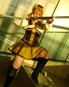 Mami Tomoe from Madoka Magica worn by Rebel Cosplay