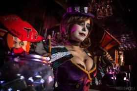 Moxxi from Borderlands 2 by Khainsaw