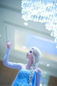 Elsa from Frozen worn by efthemia