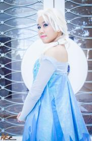 Elsa from Frozen by cuchinta