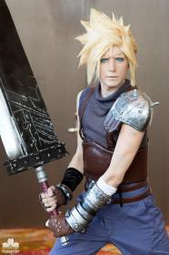 Cloud Strife from Final Fantasy VII  by Moderately Okay Cosplay