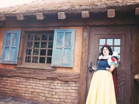 Snow White from Snow White and the Seven Dwarfs worn by Sweet~Pea