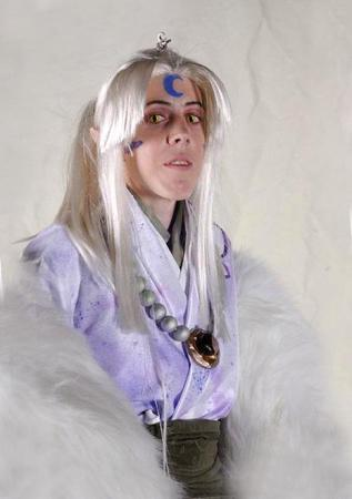 Sesshoumaru's mother from Inuyasha worn by Onyx