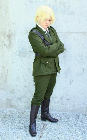 UK / England / Arthur Kirkland from Axis Powers Hetalia worn by BAT