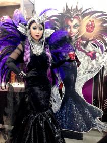 Raven Queen from Ever After High worn by Die