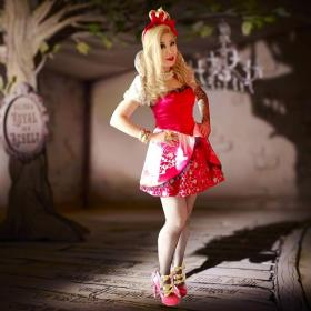 Apple White from Ever After High worn by Die