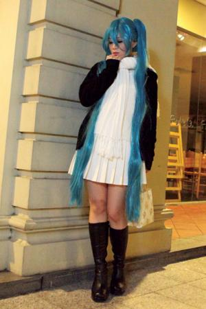 Hatsune Miku from Vocaloid 2 worn by SFSakana
