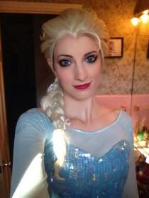 Elsa from Frozen worn by Katie
