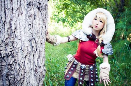Astrid from How to Train Your Dragon 2 by Phoenix