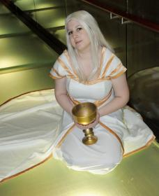 Irisviel von Einzbern from Fate/Zero worn by UsagiNoSenshi