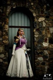 Princess Zelda from Legend of Zelda: Twilight Princess worn by Garnet Runestar