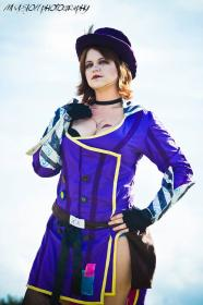 Moxxi from Borderlands 2 worn by Kira Rhian