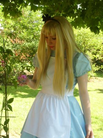 Alice from Kingdom Hearts worn by MelonPlay