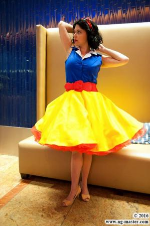 Snow White from Snow White and the Seven Dwarfs worn by SunseenLi