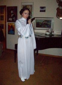 Princess Leia Organa from Star Wars Episode 4: A New Hope worn by SunseenLi
