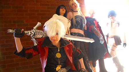 Dante from Devil May Cry 4 worn by Vikki