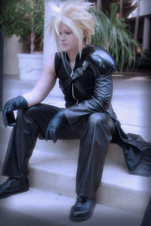 Cloud Strife worn by BeautimusMaximus